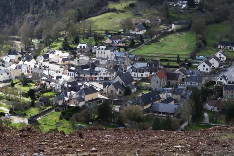 Saint-Léonard-des-Bois vu du Haut-Fourché